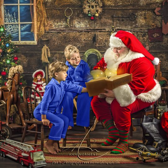 Santa Portraits, The ultimate Santa's Portraits, Santa's Magical Gift, Charlotte NC, Fort Mill SC